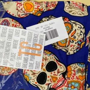 Sugar skulls NEW Lularoe TC Leggings